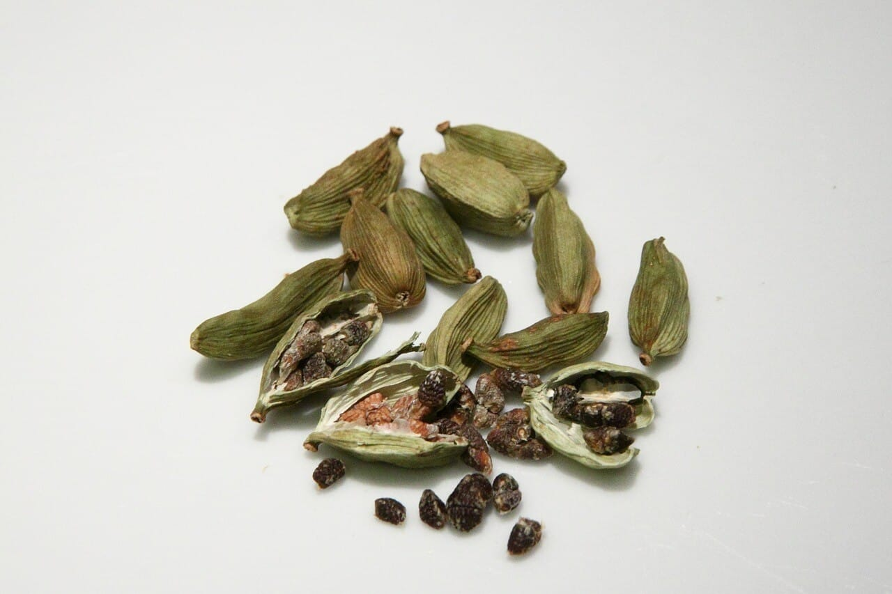 What is cardamom pods