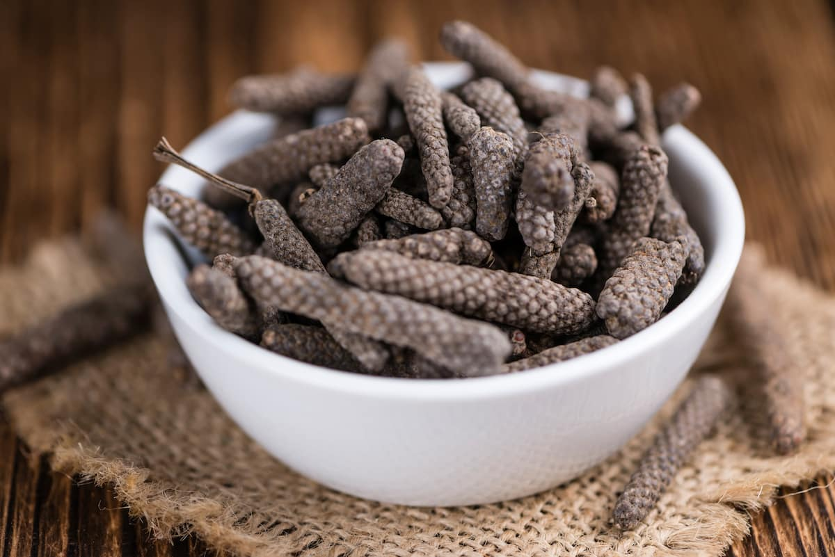 Long Pepper Vs. Black Pepper: SPICEography Showdown - SPICEography